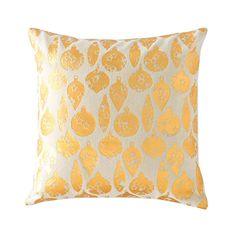 Our Golden Ornaments Pillow is a beautiful piece of seasonal decor. With its pretty pattern of gold-toned orbs, this pillow is a wonderful way to add some festivity to your sofa during the holiday season.