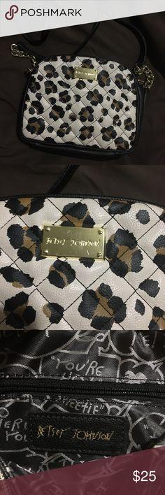 Leopard print Betsey Johnson purse Excellent condition leopard print Betsey Johnson purse. Betsey Johnson Bags