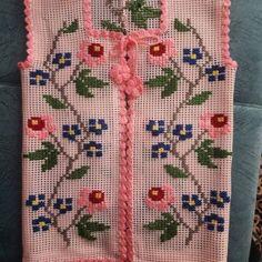 Sıralı Yapraklar Anlatımı ve Örgü Anne Yelekleri Pinterest Baby, Baby Knitting Patterns, Crochet Top, Elsa, Diy And Crafts, Projects To Try, Vest Coat, Embroidered Quilts, Crochet Vest Pattern
