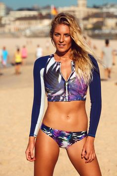 Holy Hotness! Steph Gilmore smoking it up in new #ROXYfitness