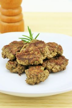 Juicy & delicious smoky Lamb & Rosemary burger patties. Super simple to make & cook now or freeze for a quick healthy meal later. Budget AIP, Keto, Paleo & Whole30 recipe free from dairy, egg, grains, nuts, seeds & added sugar.