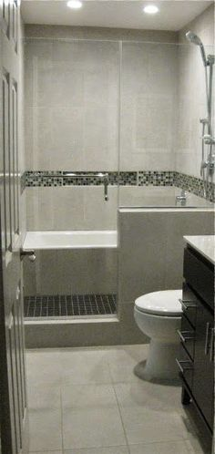 Bath Tub in Shower /