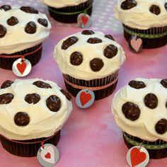 Disney 101 Dalmatian Cupcakes #Recipe #Diy