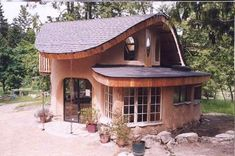 Woodsy, whimsical cottage - Tiny House