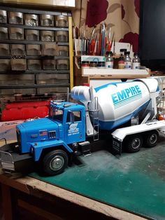 International Cement Mixer - Scale Auto Magazine - For building plastic & resin scale model cars, trucks, motorcycles, & dioramas