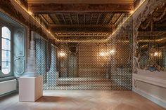"""La Fondazione Carriero (Milán) presenta la muestra """"Sol LeWitt Between the Lines"""", una exposición comisariada por Francesco Stocchi + Rem Koolhaas y organizada en estrecha colaboración con los gestores del legado de la obra de Sol LeWitt."""