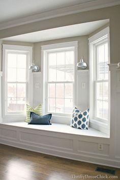 Bay window- czyli wykusz w domu - zobacz jak wygląda wykusz w domu amerykańskim i zainspiruj się! Zapraszam do inspiracji na zorganizowanie wnętrza wykuszu w Twoim domu - kolejny wpis z serii 'Amerykański Dom i Wnętrze' na blogu u Pani Dyrektor.
