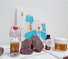 Geschenke für Weihnachten,  zum Geburtstag oder als kleines Mitbringsel finden Sie in unserem Shop Gurtner Wellness.  #geschenk #weihnachtsgeschenke #weihnachten #geburtstagsgeschenk #mitbringsel #männer #frauen #saunaaufguss #peelingsalz #totesmeer #meersalzpeeling #saunaduft #essenz #sauna #saunalife #saunalove #schenken Wellness, Cold, Home Decor, Infrared Heater, Red Lights, Man Women, Interior Design, Home Interior Design, Home Decoration