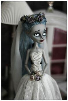 by Olga Falkova Custom Monster High Dolls, Monster High Repaint, Custom Dolls, Ooak Dolls, Blythe Dolls, Art Dolls, Corpse Bride Doll, Ever After Dolls, Gothic Dolls