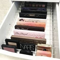 Trendy Makeup Room Ideas Make Up Stations Draw. - Trendy Makeup Room Ideas Make Up Stations Drawers Trendy Makeup Room Ideas Make Up Station - Diy Makeup Organizer, Makeup Organization Ikea, Make Up Organizer, Organization Ideas, Alex Drawer Organization, Makeup Storage Drawers, Makeup Drawer Dividers, Draw Dividers, Acrylic Makeup Storage