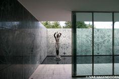Barcelona Pavilion Mies van der Rohe - 1929 luxurious minimalism