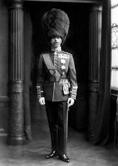 c1900 Officer Grenadier Guards in Full Dress Uniform Photograph |