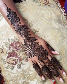 I am on a Bridal Henna Appointment. Please bear with my late or one word replies… I am on a Bridal Henna Appointment. Please bear with my late or one word replies. Dulhan Mehndi Designs, Mehndi Designs Finger, Henna Hand Designs, Mehndi Designs For Girls, Mehndi Design Pictures, Unique Mehndi Designs, Mehndi Designs For Fingers, Bridal Henna Designs, Beautiful Henna Designs