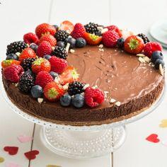 Moederdag chocoladetaart | Bakken.nl Vers Fruit, Tiramisu, Acai Bowl, Cupcake, Bread, Cooking, Breakfast, Ethnic Recipes, Desserts