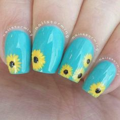 first time doing sunflowers! I loove them over 'Where's My Chauffeur' :) check my last post if you missed the tutorial :) Products used: Blue/teal: 'Where's My Chauffeur' Essie Flowers: Craftsmart acrylic paints Top coat: HK girl Nail Designs Spring, Cool Nail Designs, Spring Nails, Summer Nails, Hair And Nails, My Nails, Daisy Nails, Teal Nails, Sunflower Nail Art