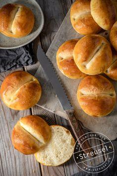 Recipe from www. Bread Recipes, Hamburger, Baking, Eat, Austria, Food, German, Italy, France