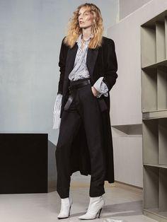 Vogue Australia, Декабрь 2016 «Strong Suit»