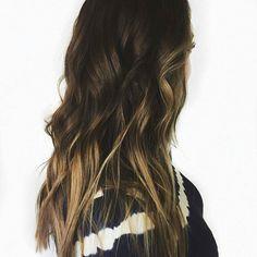 Fall is in the hair! Beautifully done by Jess @hairbyjessbrown -  Honey Balayage . . . . . . . . . . . . . . . #utahbeachwaves #utahbalayage #provohairstylist #oremhair #ldsconf #seasonsgirl #balayage #balayageombre #ombre - #seasonssalonanddayspa #seamless #seasonssalonspa #oremsalon #lorealprofessionnel #lorealfreehandlightner #btc #behindthechair