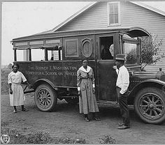 Madison County, Alabama. [African-American] agents and rural nurse with movable school. [The Booker T. Washington Agricultural School on Wheels.], 1923