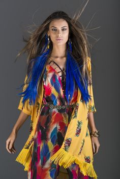 Exotic!  #verão2015 #summer #lavimag #colorsfever #print #mix #exotic #fashion #editorial #lavibh