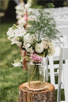 30 Rustic Backyard Outdoor/Garden Wedding Ideas   http://www.deerpearlflowers.com/30-rustic-backyard-outdoorgarden-wedding-ideas/