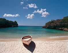 Boat-on-sandy-beach-Curacao-Island