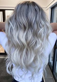 Fantastic Blonde Hair Color Shades with Shadow Roots in 2020 Butter Blonde Hair, Dark Roots Blonde Hair, Blonde Hair Colour Shades, Hair Color Highlights, Blue Lace Front Wig, Lace Front Wigs, Lace Wigs, Shadow Roots, Lace Hair