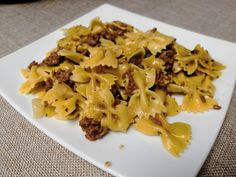 Farfalles à la viande hachée Macaroni And Cheese, Pasta, Ethnic Recipes, Cook, Cooking Food, Cooker Recipes, Mac And Cheese, Noodles, Ranch Pasta