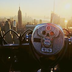 The Ultimate Dating Bucket List  Kiss at the Top of the Empire State Building