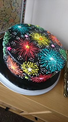 Perfect fo of July, New Year's or any birthday party. Perfect fo of July, New Year's or any birthday party. Crazy Cakes, Fancy Cakes, Pretty Cakes, Beautiful Cakes, Amazing Cakes, Champagne Jello Shots, Fireworks Cake, Cookie Party Favors, Decoration Patisserie