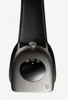 Romain Jerome has unveiled the brands new collaboration with famous watch designer Alain Silberstein introducing a new and innovative timepiece: The Subcraft. Amazing Watches, Cool Watches, Watches For Men, Alain Silberstein, Romain Jerome, Tag Watches, Fluid Design, Metal Texture, Design Case