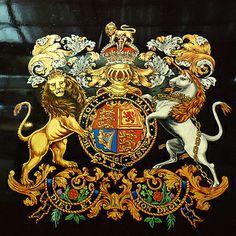 dieu et mon droit   Dieu et Mon Droit / God and My Right: British Monarch's Motto + Join ...
