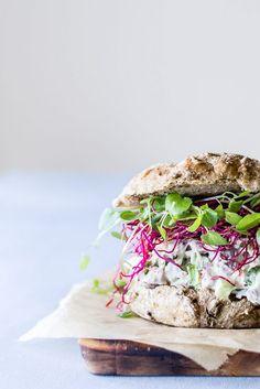 Sandwich with homemade chicken salad | Rugboller med hjemmelavet hønsesalat
