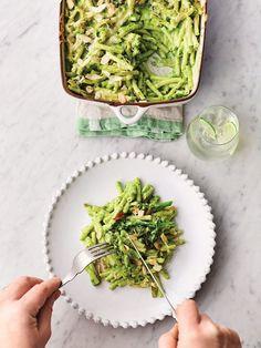Greens mac 'n' cheese   Jamie Oliver vegetarian recipes Cheese Recipes, Pasta Recipes, Crockpot Recipes, Healthy Recipes, Healthy Food, Risotto Recipes, Healthy Dinners, Vegetarian Recipes Dinner, Dinner Recipes