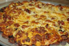 Fire Roasted Meat Lover Pizza on the Big Green Egg. Make sure you use the Big Green egg Pizza Ceramic  Plate, others might crack under the high temperature of the Green Egg!
