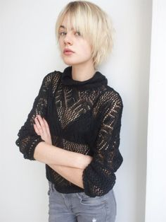 CELINE Bouly looks like my hair growing out Short Hairstyles For Women, Pretty Hairstyles, Hair Inspo, Hair Inspiration, Epic Hair, Medium Length Hair With Layers, Mullet Hairstyle, Brown Hair Balayage, Creative Hairstyles