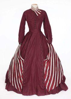 "Elizabeth Taylor ""Susanna Drake"" dark red period dress from Raintree County. (MGM, Dark red silk taffeta two-pi. on Jun 2011 Theatre Costumes, Movie Costumes, Period Costumes, Hollywood Costume, Hollywood Dress, Hollywood Fashion, Vintage Outfits, Vintage Fashion, Mom Fashion"