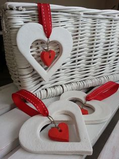 Passion for decorating: heart LOVE - ceramic - . Ceramic Christmas Decorations, Easy Christmas Crafts, Diy Christmas Ornaments, Xmas Decorations, Christmas Hearts, Polymer Clay Christmas, Polymer Clay Crafts, Salt Dough Crafts, Diy And Crafts
