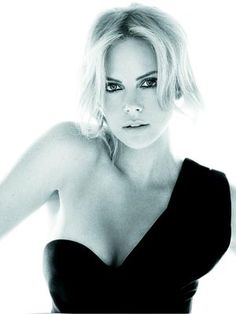HoLLyWooD whOsE whO... / 831f50157ff2c978_Charlize_Theron_Dior_photoshoots_2_.jpg 300 × 400 pixels