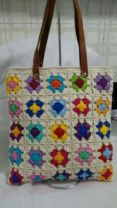 Crochet bag in Square handmade, with lining and inner pocket, leather strap . Crochet Quilt, Crochet Tote, Crochet Handbags, Crochet Squares, Crochet Crafts, Crochet Stitches, Crochet Projects, Knit Crochet, Crochet Designs