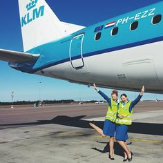 KLM Stewardesses @flyingfashionblogger