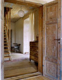 Emmas Designblogg. Photographer Anna G. Tufvesson. Puu. Rauha. Liian tehty rustiikki.