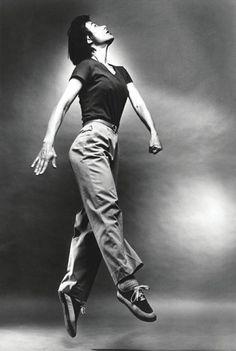 Yvonne Rainer Contemporary Dance, Modern Dance, Yvonne Rainer, History Of Dance, Body Poses, Dance Fashion, Dance Photos, Lets Dance, Dance Photography