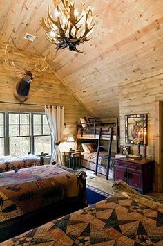 Rustic cabin bedroom for the entire family or guests. Bunk Rooms, Bunk Beds, Twin Beds, Log Home Living, Log Cabin Homes, Log Cabins, Rustic Cabins, Little Cabin, Cabins And Cottages