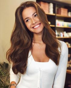 Long Wavy Ash-Brown Balayage - 20 Light Brown Hair Color Ideas for Your New Look - The Trending Hairstyle Beautiful Brown Hair, Beautiful Smile, Beautiful Pictures, Brown Hair Colors, Orange Brown Hair, Ash Brown, Bobby Brown, Fall Hair, Hair Looks