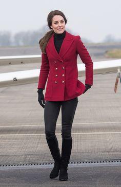 凱蒂王妃早前在英國電影及電視藝術學院大獎(BAFTA)行紅地毯,身穿Alexander McQuee...
