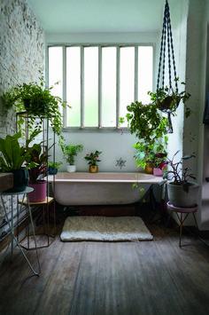 Bathroom inspiration decor - Feel Inspired By These Bathroom Tile Trends For 2019 – Bathroom inspiration decor Relaxing Bathroom, Boho Bathroom, Bathroom Interior, Modern Bathroom, Bathroom Lighting, Small Bathroom, Bathroom Vintage, Bad Inspiration, Bathroom Inspiration