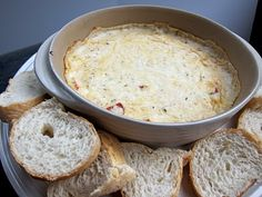 White Pizza Dip envelope Lipton Secrets Savory -Herb with Garlic Soup Mix oz sour cream cup ricotta cheese cup shredded mozzarella cheese cup chopped pepperoni loaf Italian or French bread Bake @ 350 uncovered 30 minutes Think Food, I Love Food, Good Food, Yummy Food, Yummy Appetizers, Appetizer Recipes, White Pizza Dip, Salsa Dulce, Savory Herb