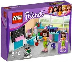 Exciting new 2012 LEGO sets for girls! Check out pictures of next year's LEGO Friends sets! Lego Duplo, Lego Ninjago, Toys For Girls, Kids Toys, Elliev Toys, Legos, Figurine Lego, Lego Friends Sets, Friends Girls