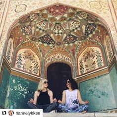 Finding Zen. #reiseliv #reisetips #reiseblogger #reiseråd  #Repost @hannelykkee with @repostapp  HAPPY BIRTHDAY to my amazing colleague & awesome travel-buddy @mellipimpanelli Pretending to be zen people at various exotic locations across India has been fab  Going through Delhi belly together has been less fab but has for sure strengthened our relationship  Hope you have a great day and look forward to celebrating with a bland and dry meal together tonight We'll make up for it with a feast…